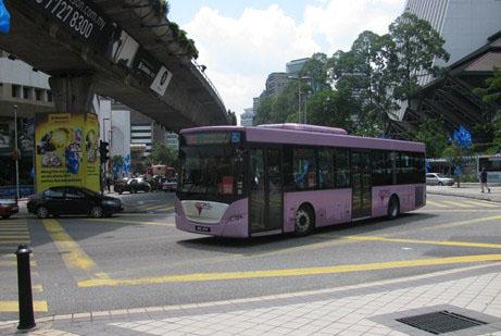 Những điều biết khi đi du lịch Malaysia - Xe Bus Free