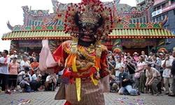 Đắm mình trong văn hóa địa phương dịp lễ Rằm tháng Bảy ở Singapore